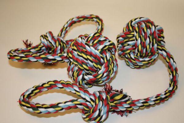 Spielball mit Seil